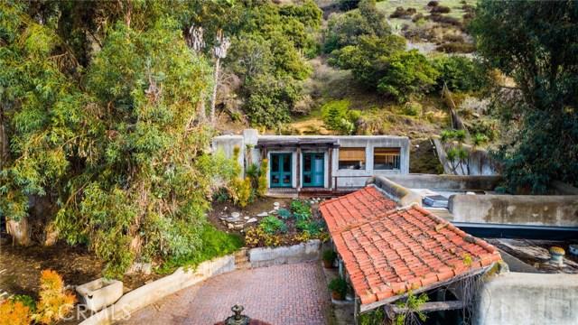 地址: 20482 Sun Valley Drive, Laguna Beach, CA 92651