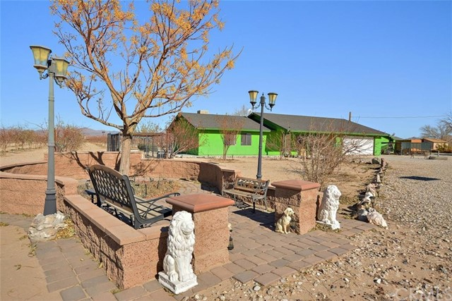 34738 Old Woman Springs Rd, Lucerne Valley, CA 92356 Photo 3