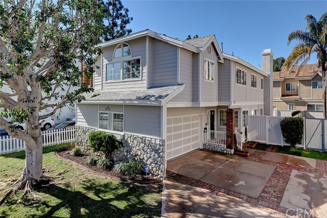 2101 Mackay Lane, Redondo Beach, California 90278, 4 Bedrooms Bedrooms, ,2 BathroomsBathrooms,Townhouse,For Sale,Mackay,SB19016917