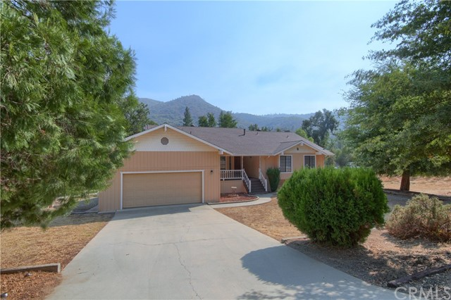46086 Beechwood Dr, Oakhurst, CA 93644 Photo