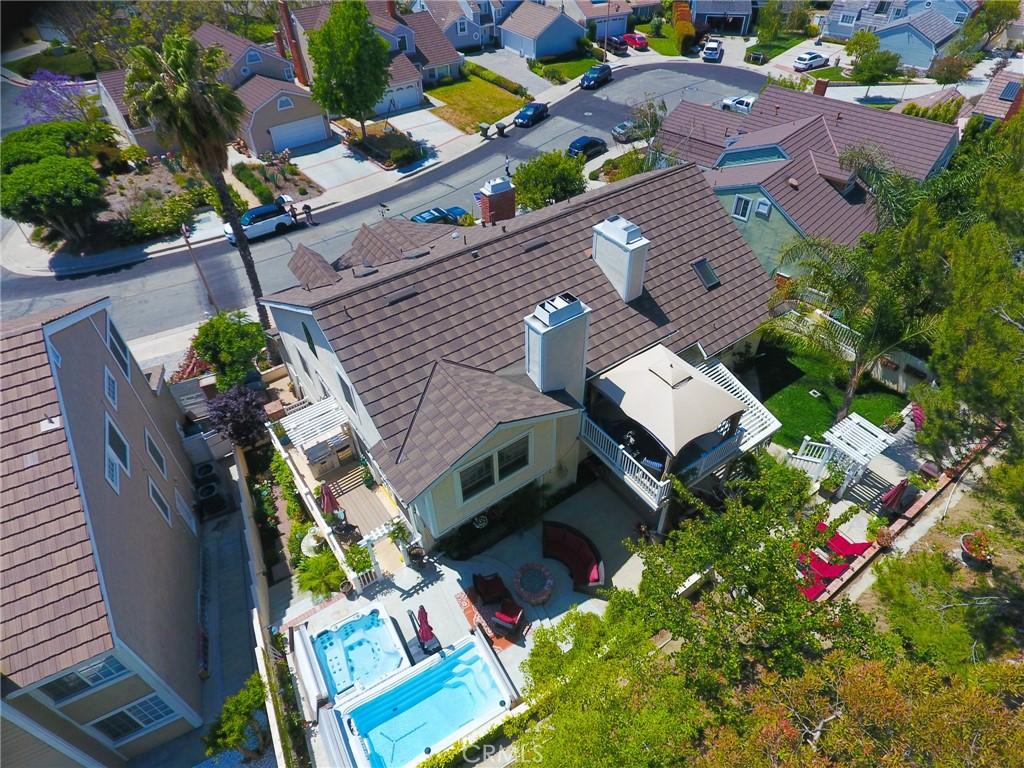 5210   E Fairlee Court E, Anaheim CA 92807