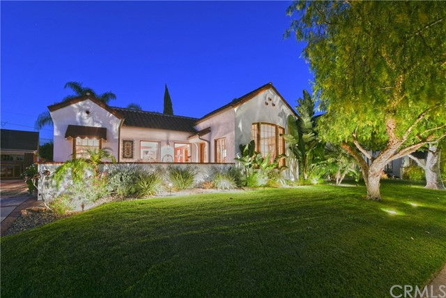 2323 N Benton Way, Santa Ana, CA 92706