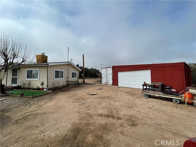 5120 Honeyhill Rd, Oak Hills, CA 92344 Photo 2