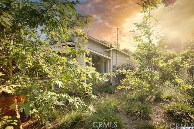 Photo of 712 E Calaveras Street, Altadena, CA 91001