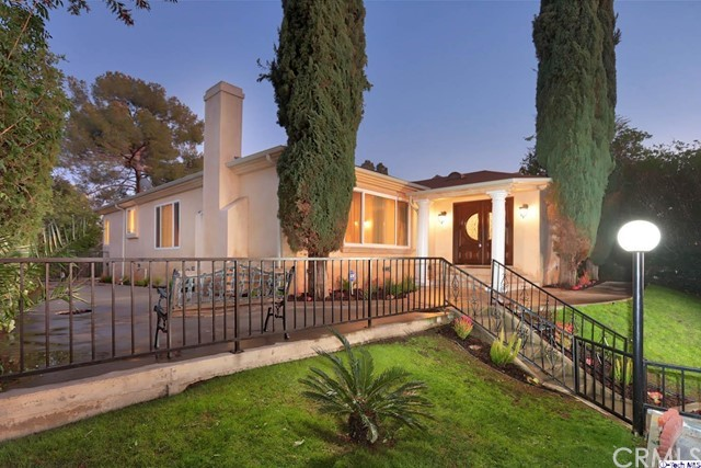 700 Glen Avenue, Glendale, CA 91206