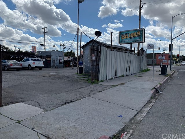 9918 S San Pedro Street, Los Angeles, CA 90003