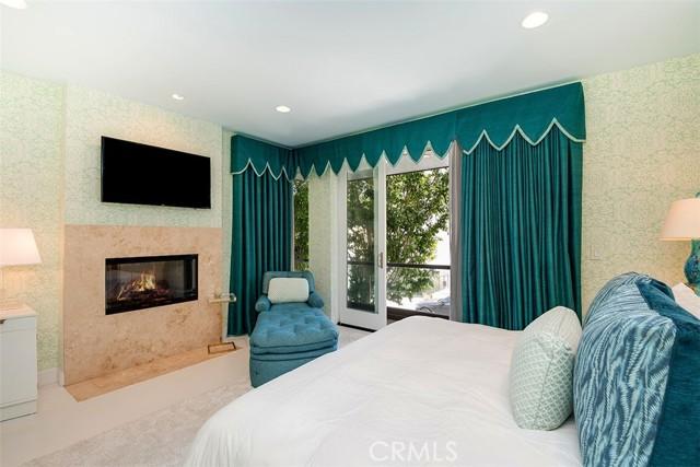 29. 421 1st Street Manhattan Beach, CA 90266