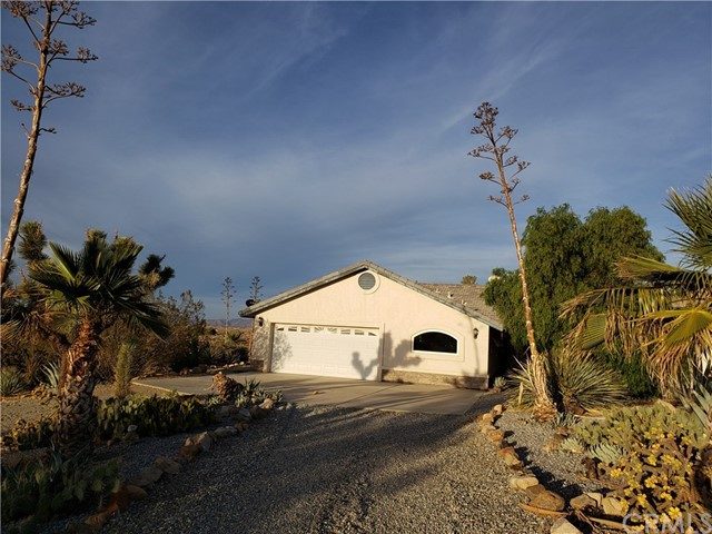 19972 Juniper Road, Apple Valley, CA 92308