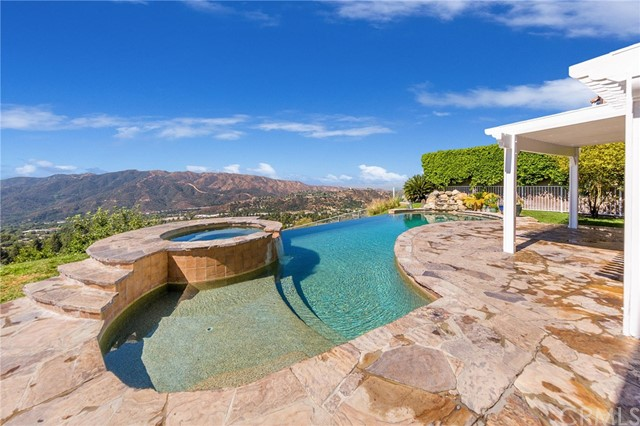 Photo of 3834 Sky View Lane, La Crescenta, CA 91214