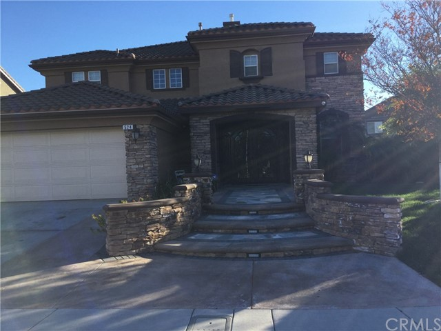 524 Cedarbrook Lane, Corona, CA 92879