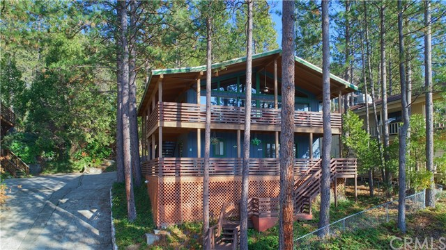 37743 Shoreline Drive, Bass Lake, CA 93604