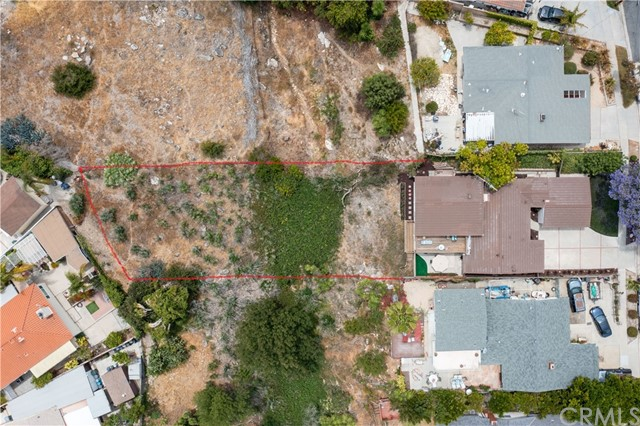 Approx. outline of property line. (Info not verified or guaranteed)