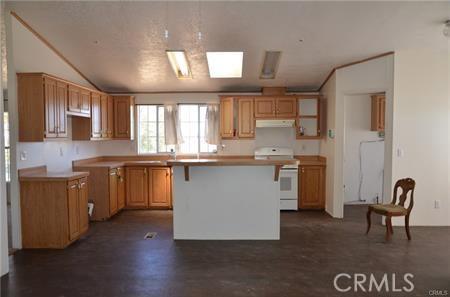 11121 Densmar Rd, Oak Hills, CA 92344 Photo 7