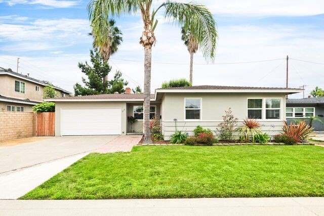 916 W Acacia Avenue, Orange, CA 92868