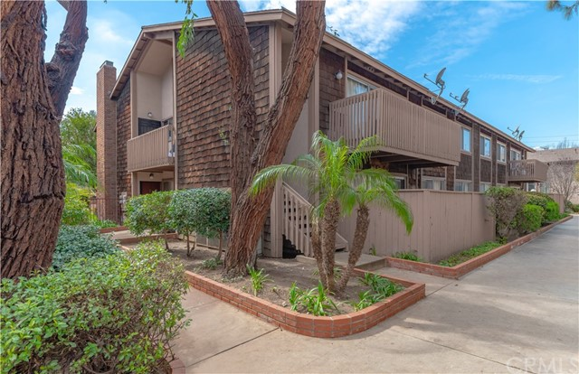 1068 Cabrillo Park Drive C, Santa Ana, CA 92701