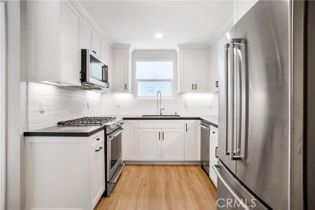 214 41st Street, Manhattan Beach, California 90266, ,1 BathroomBathrooms,For Rent,41st,SB18142821