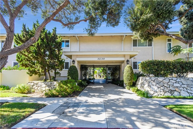 3230 Merrill Drive, Torrance, California 90503, 2 Bedrooms Bedrooms, ,1 BathroomBathrooms,Condominium,For Sale,Merrill,PV19255092