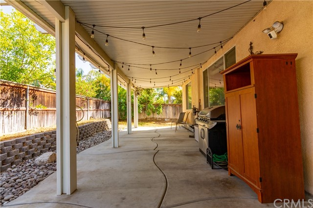 7062 Paddlewheel Drive, Eastvale CA: https://media.crmls.org/medias/53528019-60ce-4eaa-83b7-6da86e0d5e64.jpg