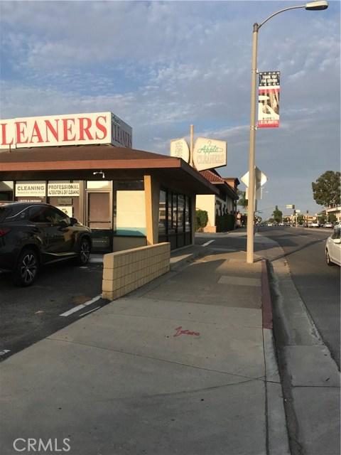 3391 Katella Avenue, Los Alamitos, CA 90720