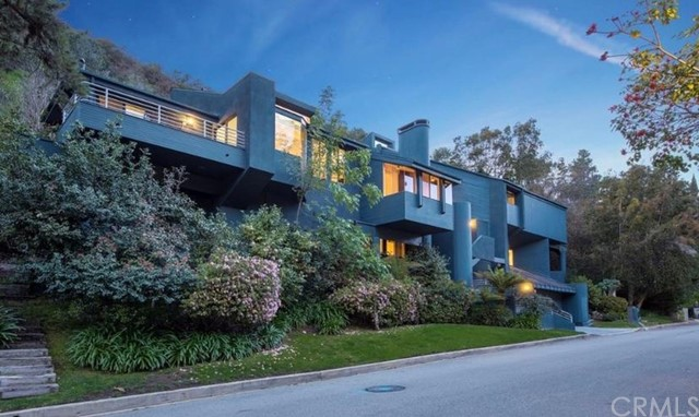 2001 Roscomare Road, Bel Air, CA 90077