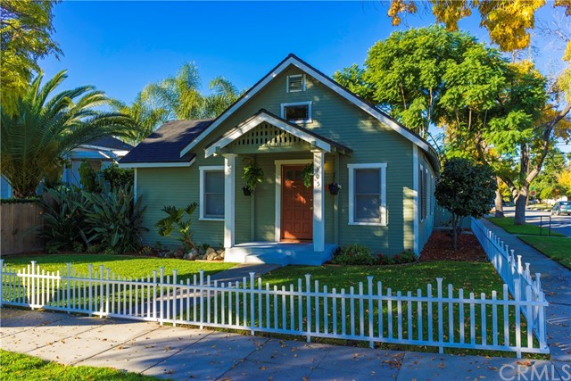 305 S 2nd Ave, Upland, CA 91786