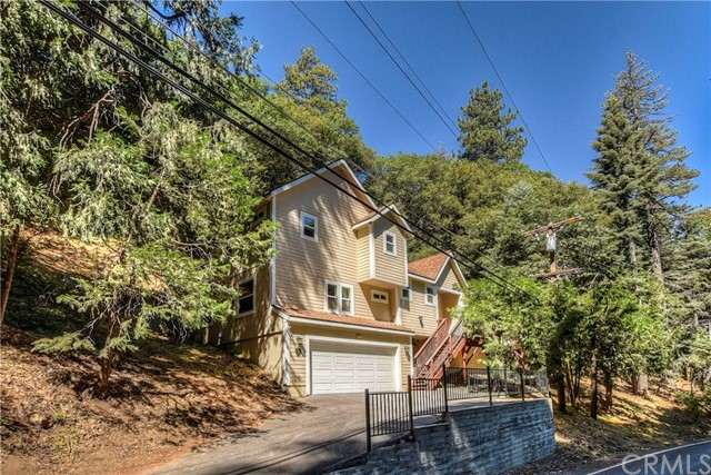 372 Dart Canyon Road, Crestline, CA 92325