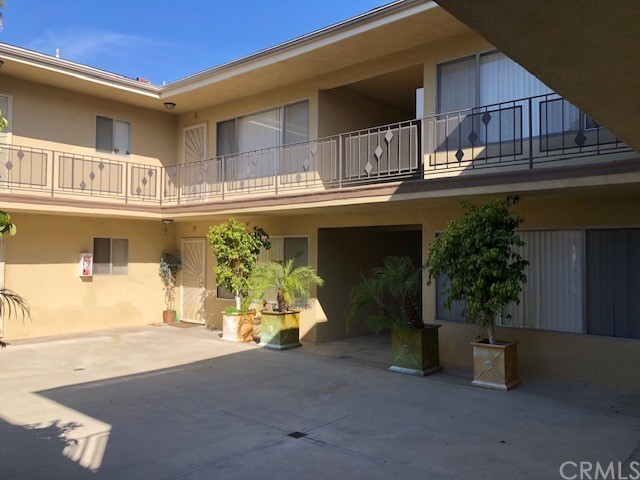 362 Louise, Long Beach, California 90805, ,Residential Income,For Sale,Louise,SB21057049