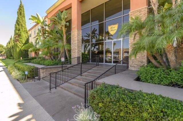 400 N Acacia Avenue B10, Fullerton, CA 92831