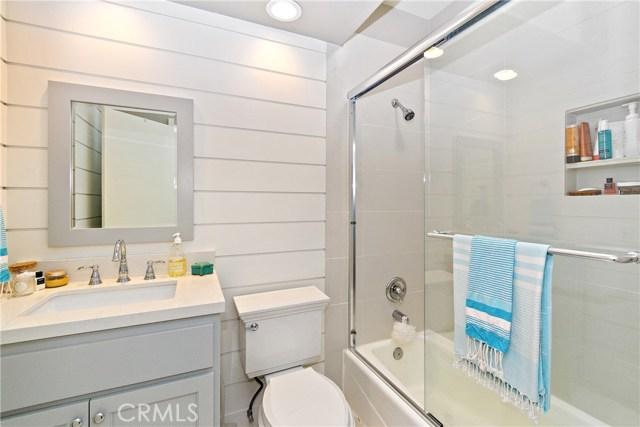 1457 Manhattan Beach Boulevard B, Manhattan Beach, California 90266, 2 Bedrooms Bedrooms, ,2 BathroomsBathrooms,For Sale,Manhattan Beach,SB20231168