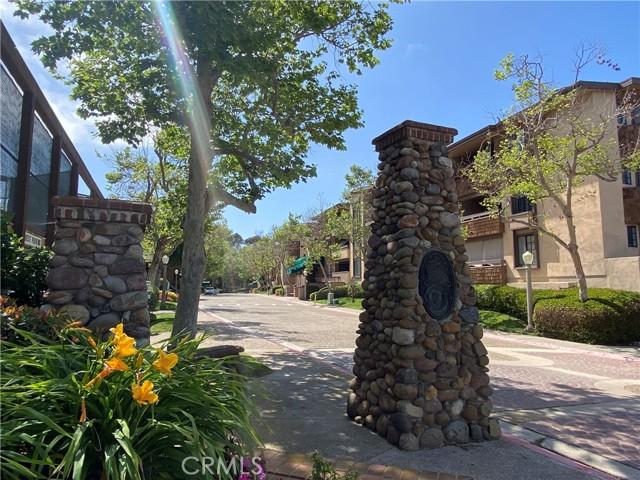 8870 Villa La Jolla Dr, La Jolla, CA 92037 Photo