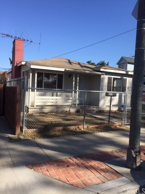 2264 Webster, Long Beach, CA 90810