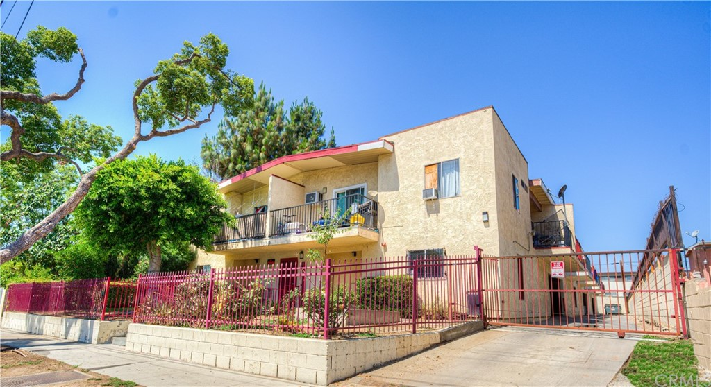 Photo of 839 N Summit Avenue, Pasadena, CA 91103
