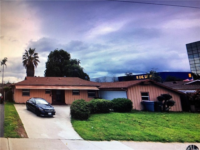 768 S Barranca Avenue 5, Covina, CA 91723