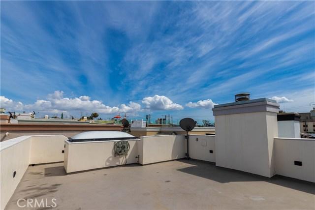 118 1st Court, Hermosa Beach, California 90254, 4 Bedrooms Bedrooms, ,3 BathroomsBathrooms,For Sale,1st,SB20053213