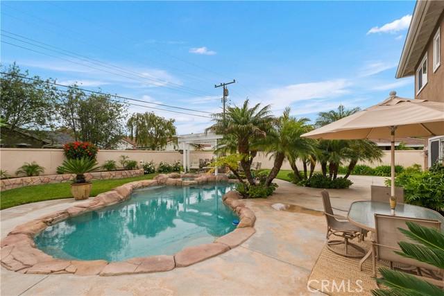 34. 2016 Calvert Avenue Costa Mesa, CA 92626