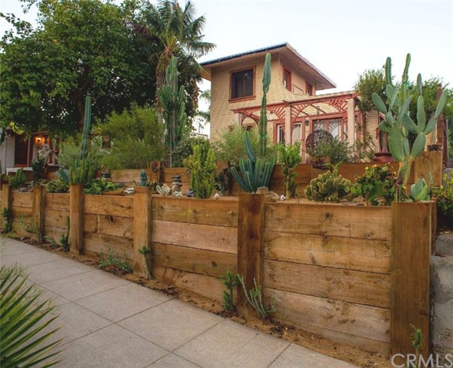 1814 Euclid Street, Santa Monica, CA 90404