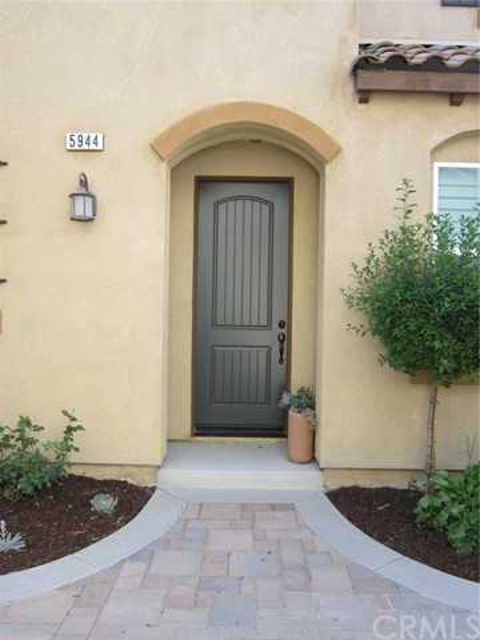 5944 Ginger Drive, Eastvale, CA 92880
