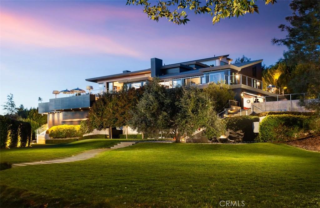 Photo of 4700 Surrey Drive, Corona del Mar, CA 92625