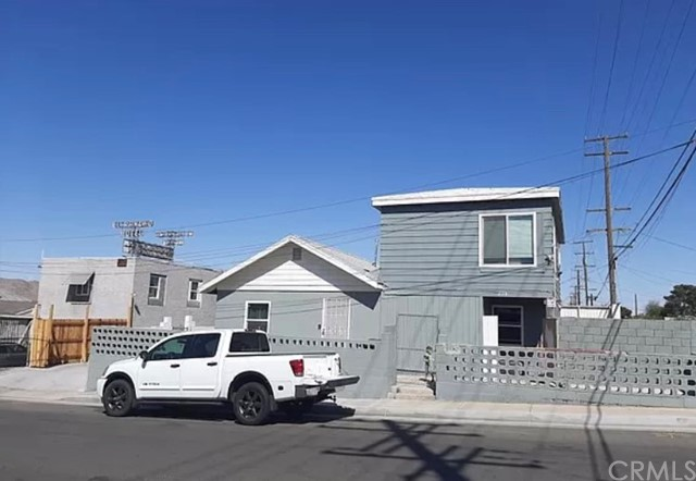 209 S 1st Ave, Barstow, CA 92311