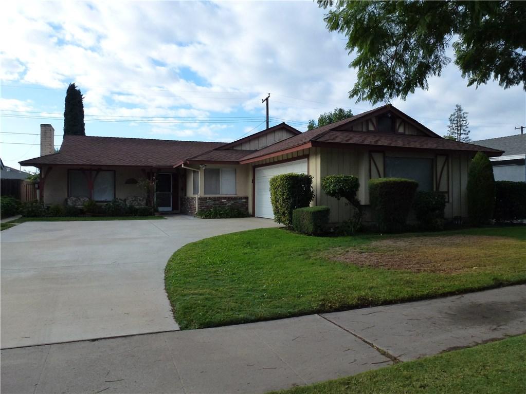 820 E Palmyra Avenue, Orange, CA 92866