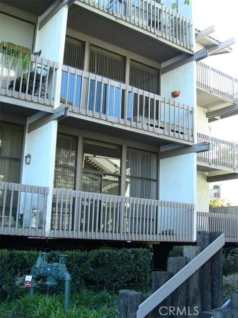 5211 Marina Pacifica Dr, Long Beach, CA 90803