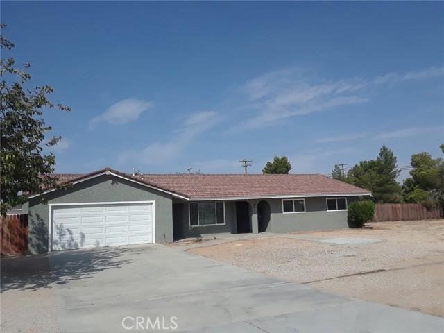 13686 Kiowa Rd, Apple Valley, CA 92308