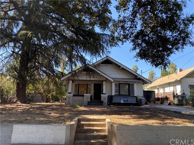 1797 N Summit Avenue, Pasadena, CA 91103