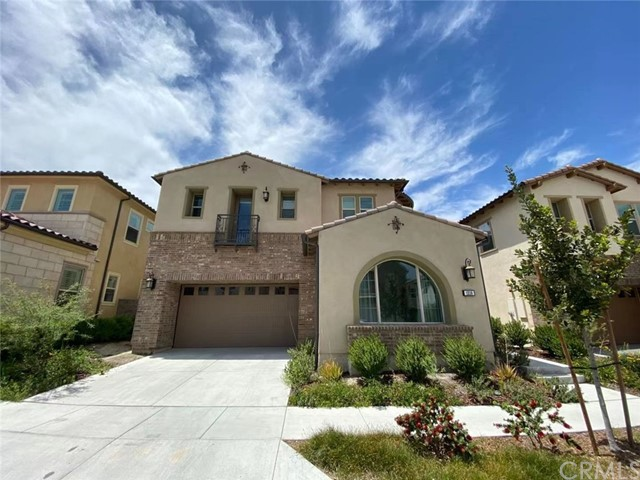 New fancy 5 bedrooms and 5.5 bathrooms home at Iron Ridge. Mountain view. The resort community with swimming pool, spa, BBQ.