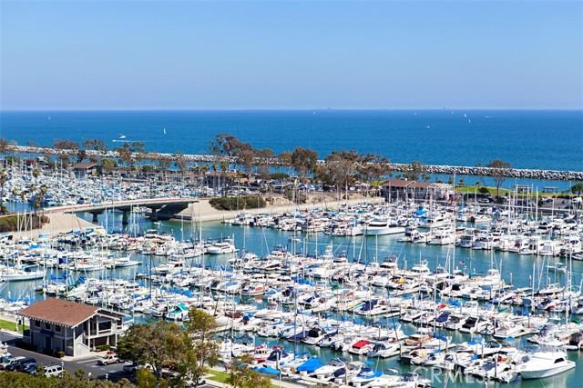 Enjoy boaking, fishing, walks, paddleboarding, kayaking, restaurants, coffee shops and shopping!