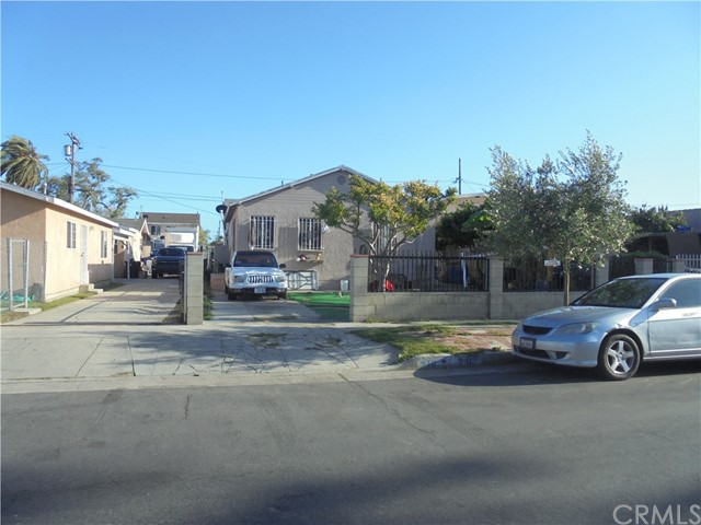 216 E 94th Street, Los Angeles, CA 90003