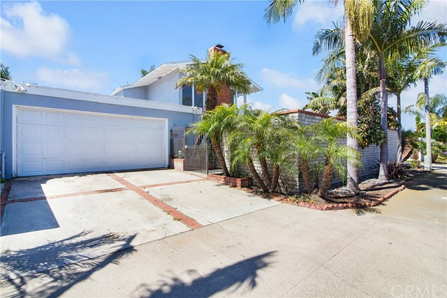 9382 Candlewood Drive, Huntington Beach, CA 92646