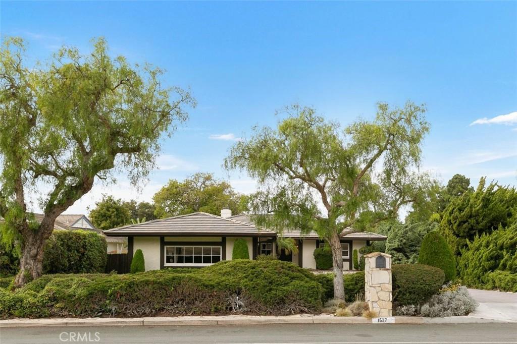 Welcome to 1537 Palos Verdes Drive West, Palos Verdes Estates, CA 90274