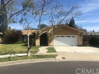 Beautifully remodeled entertainers home. 3br 2ba. Custom kitchen includes Granite counter tops and premium appliances. Backyard feels like a secluded park with a covered BBQ area for entertaining. Flagstone patio. This home has to be seen.