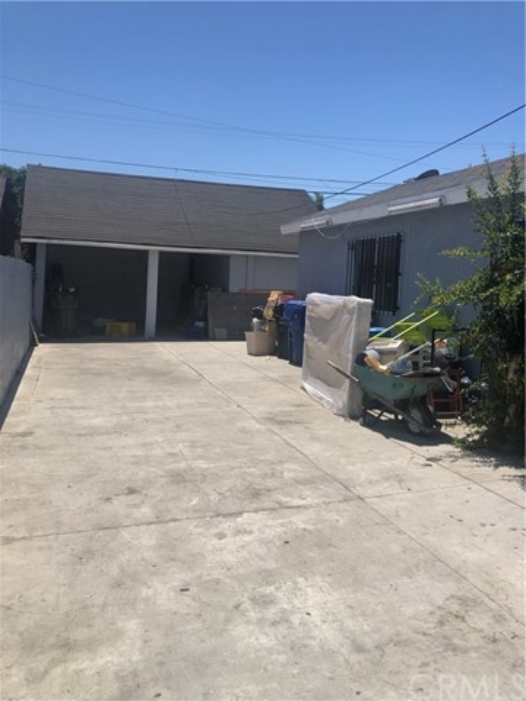 12. 1506 W Gage Avenue Los Angeles, CA 90047